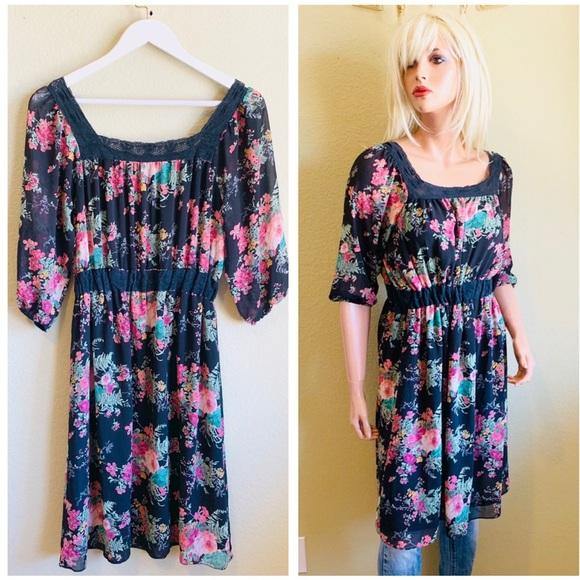 Anthropologie Dresses & Skirts - ANTHROPOLOGIE Hazel MIDI Floral Dress